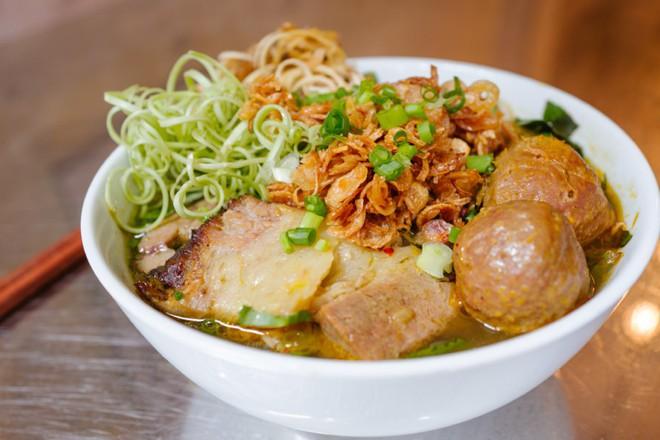 Quán ăn chính gốc Việt Nam hiếm hoi giữa lòng Hong Kong sẽ khiến bạn thích thú khi du lịch đến đây - Ảnh 3.