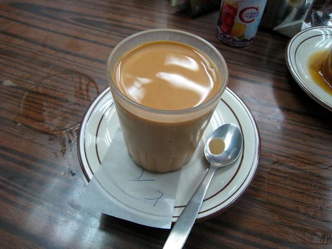 Đến Hồng Kông nhất định phải thử món trà tất da chân độc đáo - Ảnh 6.