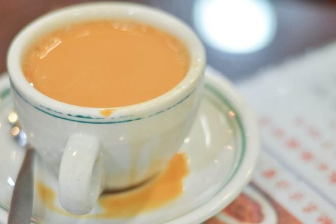 Đến Hồng Kông nhất định phải thử món trà tất da chân độc đáo - Ảnh 2.