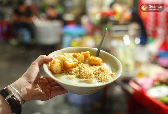 Ở Hà Nội, bạn có thể ăn cháo sườn... cả ngày vì khung giờ nào cũng có hàng bán - Ảnh 14.