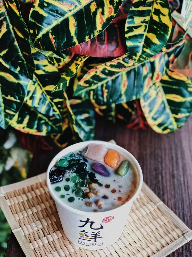 Đến Singapore đừng quên tìm đến cửa hàng tráng miệng Nine Fresh để thưởng thức những phần chè thảo mộc thanh mát - Ảnh 4.