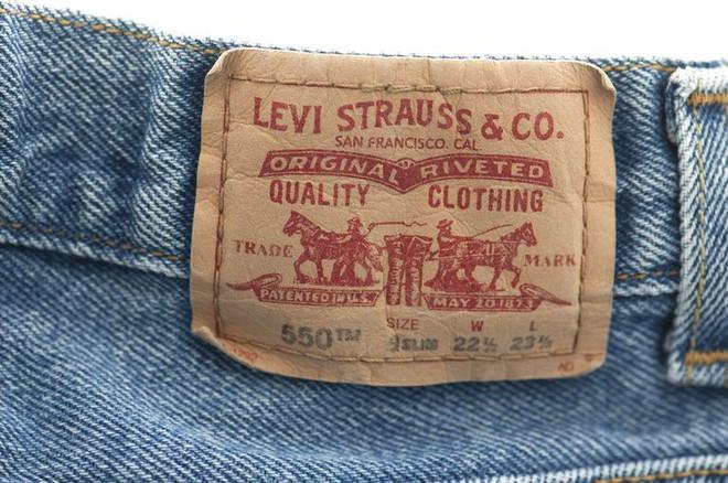 90% người mặc quần jeans đều không biết miếng da đằng sau cạp quần có công dụng gì - Ảnh 4.