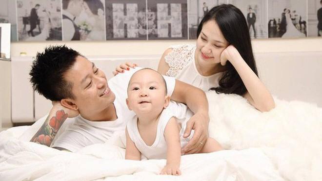 """Điểm danh 5 quý ông xứng danh """"chồng nhà người ta"""" của showbiz Việt - Ảnh 7."""
