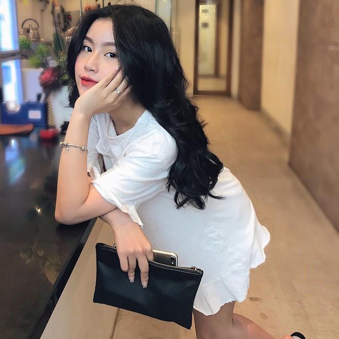 Xinh như búp bê và có nụ cười tươi rói, cô bạn sinh năm 1998 này đang cực hot trên Instagram Việt Nam - Ảnh 7.