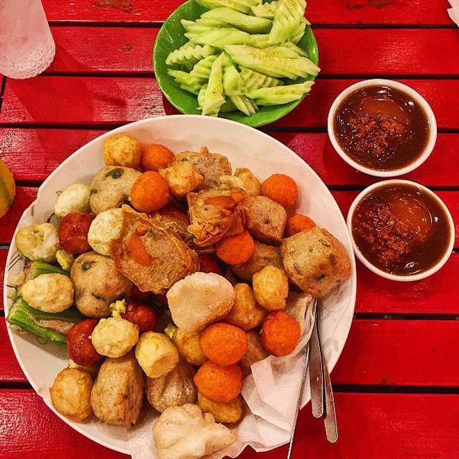 Món ăn vặt ở quận 1 được nhiều người bạn trẻ yêu thích