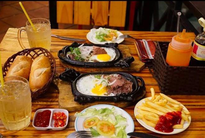 Nếu bạn là tín đồ của các món ăn từ thịt bò thì nhất định đừng bỏ qua các món này ở Sài Gòn - Ảnh 2.