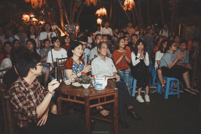 Sinh viên báo chí tổ chức triển lãm không gian cưới thập niên 80s, 90s ngay giữa lòng Hà Nội - Ảnh 5.
