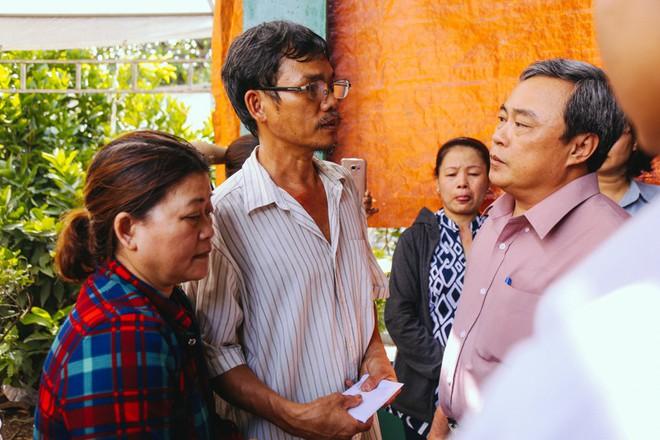 """Nước mắt người cha của """"hiệp sĩ"""" bị cướp đâm tử vong ở Sài Gòn: """"Con giống cha thích bắt cướp, nhưng giờ nó ngã xuống làm tôi đau lắm"""" - Ảnh 5."""