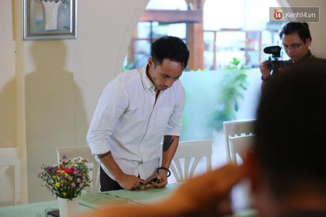 Clip: Phạm Anh Khoa gặp gỡ báo chí và xin lỗi về ồn ào bị tố gạ tình trong thời gian qua - Ảnh 3.