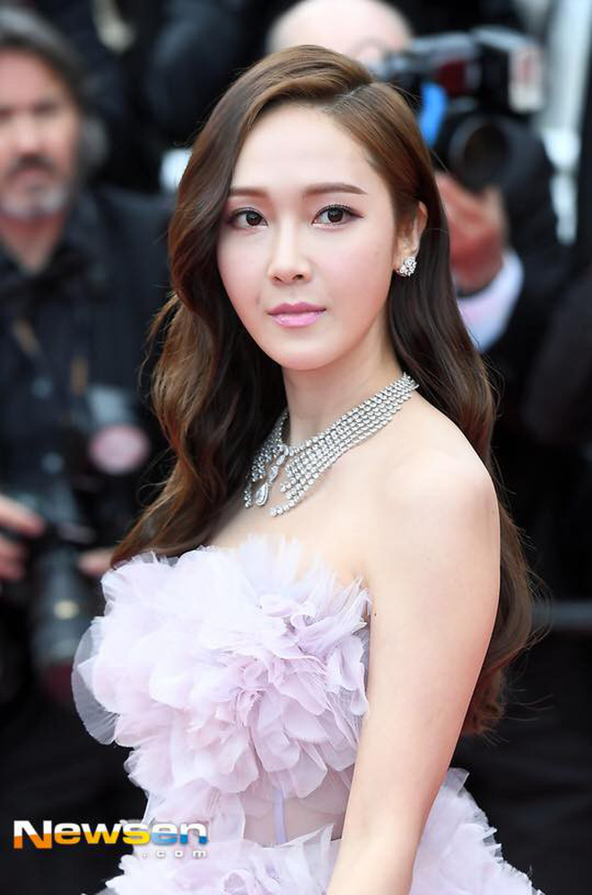 """Muốn làm công chúa """"chặt chém"""" trên thảm đỏ Cannes nhưng dường như Jessica bị thất bại mất rồi - Ảnh 2."""