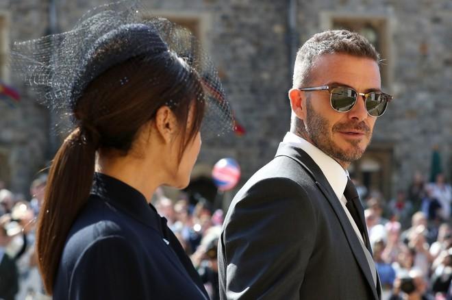"""Ngắm thời trang tại đám cưới hoàng gia mà bỏ lỡ 15 chiếc mũ tinh xảo này thì bạn đã bỏ qua """"đặc sản"""" rồi - Ảnh 2."""