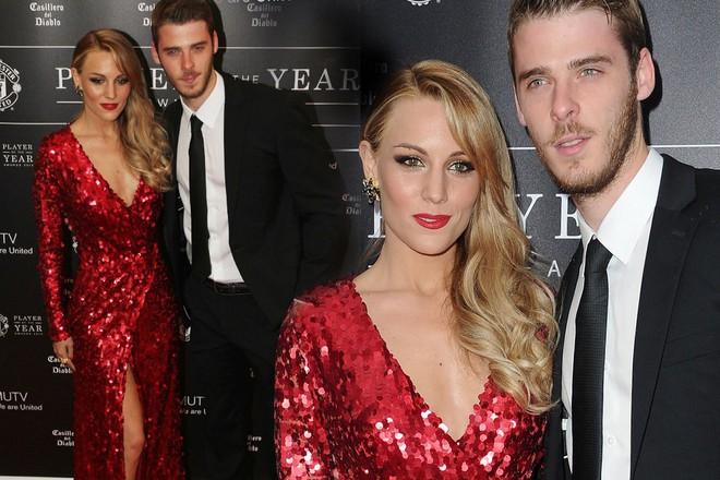 Siêu đội hình kết hợp vợ, bạn gái cầu thủ Chelsea - Man Utd - Ảnh 2.