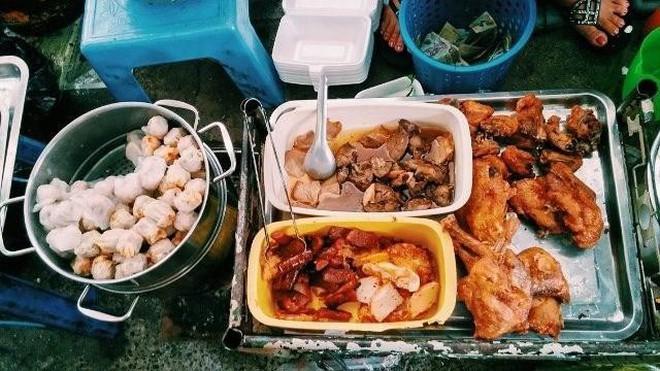 Ăn gì trong con hẻm ẩm thực đồng giá 20k ngay tại trung tâm quận 1? - Ảnh 3.