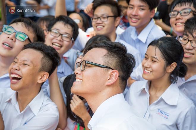 Ngày ra trường của teen Lê Hồng Phong: Nụ cười và nước mắt, bạn tôi ơi xin bên nhau thêm chút nữa! - Ảnh 8.