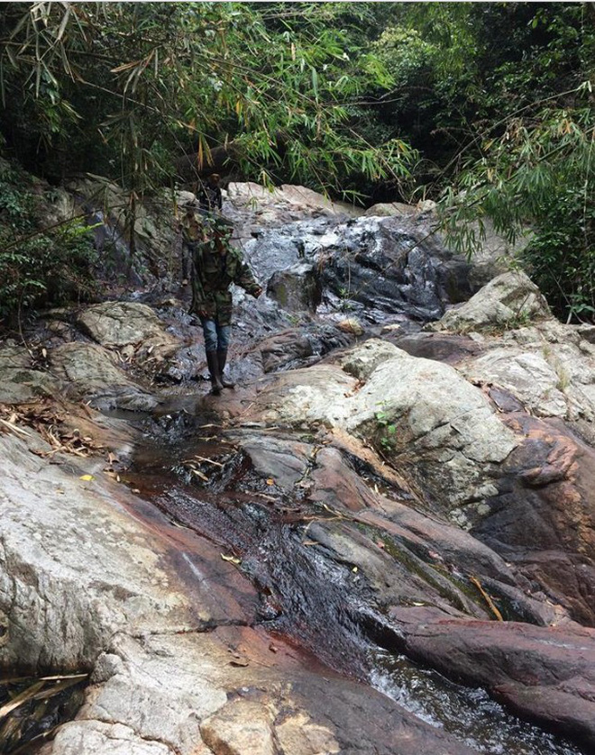 Clip thác dữ Lao Phào: Con thác 7 tầng chảy xiết nơi phát hiện thi thể nam phượt thủ leo Tà Năng - Phan Dũng - Ảnh 5.