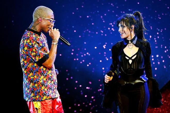 Hậu đi tour chung, Camila Cabello bắt tay cùng Taylor Swift trong album mới - Ảnh 2.