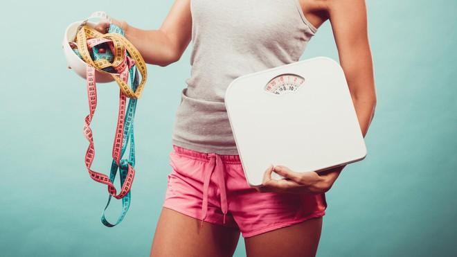 """Lý do khiến các cô nàng """"nấm lùn"""" khó giảm cân hơn và đây là giải pháp - Ảnh 2."""