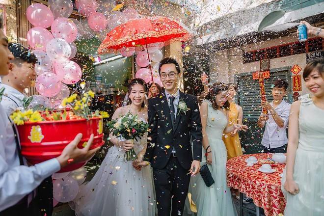 Không nghe lời của đám FA xui dại, cặp đôi vẫn yêu nhau từ thời học sinh đến 10 năm sau mới cưới - Ảnh 2.