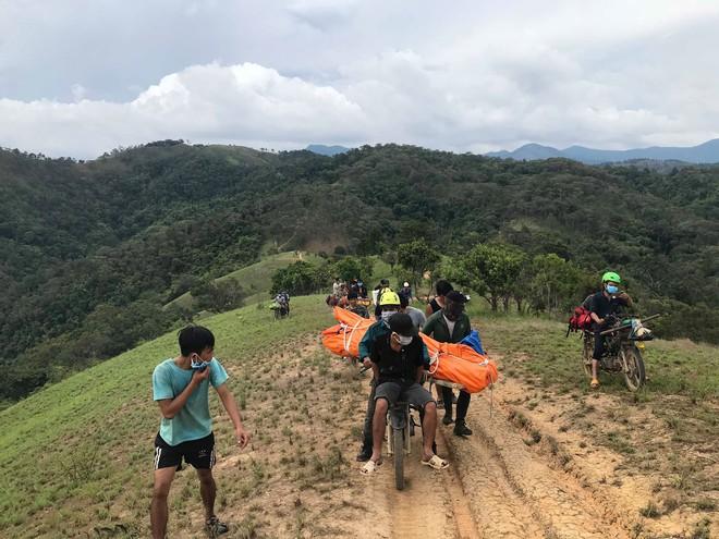 Đoàn cứu hộ kể lại hành trình khốc liệt suốt 3 ngày tìm cách đưa thi thể nam phượt thủ ra khỏi thác Lao Phào để về với gia đình 11