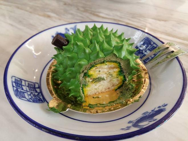 Xuất hiá»n thêm má»t món bánh sầu riêng á» Malaysia có Äá» hấp dẫn không thá» tả - Ảnh 4.