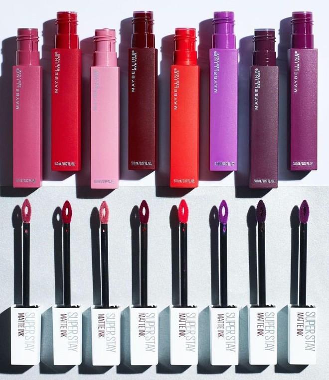 """Cho những nàng """"nghiện"""" makeup: list 15 món mỹ phẩm đáng thử nhất năm của Cosmopolitan, món rẻ nhất chỉ 160k - Ảnh 1."""