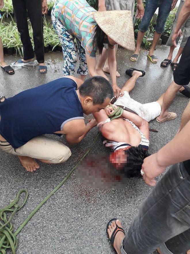 Vụ người đàn ông đi ô tô nghi bắt cóc trẻ em ở Hưng Yên: Đối tượng đã lảng vảng quanh xóm vờ mua cây cảnh từ sáng sớm - Ảnh 1.