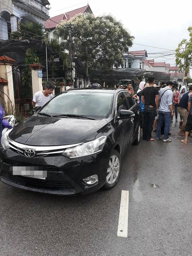 Vụ người đàn ông đi ô tô nghi bắt cóc trẻ em ở Hưng Yên: Đối tượng đã lảng vảng quanh xóm vờ mua cây cảnh từ sáng sớm - Ảnh 3.