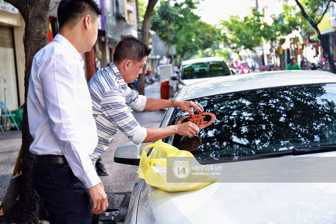 Ông xã thiếu gia chuẩn bị dàn xe hơn chục tỷ đến đón Diệp Lâm Anh trong lễ rước dâu diễn ra sáng nay - Ảnh 6.