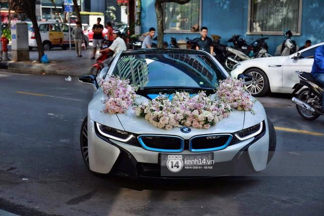 Ông xã thiếu gia chuẩn bị dàn xe hơn chục tỷ đến đón Diệp Lâm Anh trong lễ rước dâu diễn ra sáng nay - Ảnh 1.