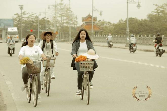 Cũng đi Huế - Đà Nẵng - Hội An mà nhóm bạn này có nguyên một bộ ảnh đẹp và nghệ như poster phim - Ảnh 20.