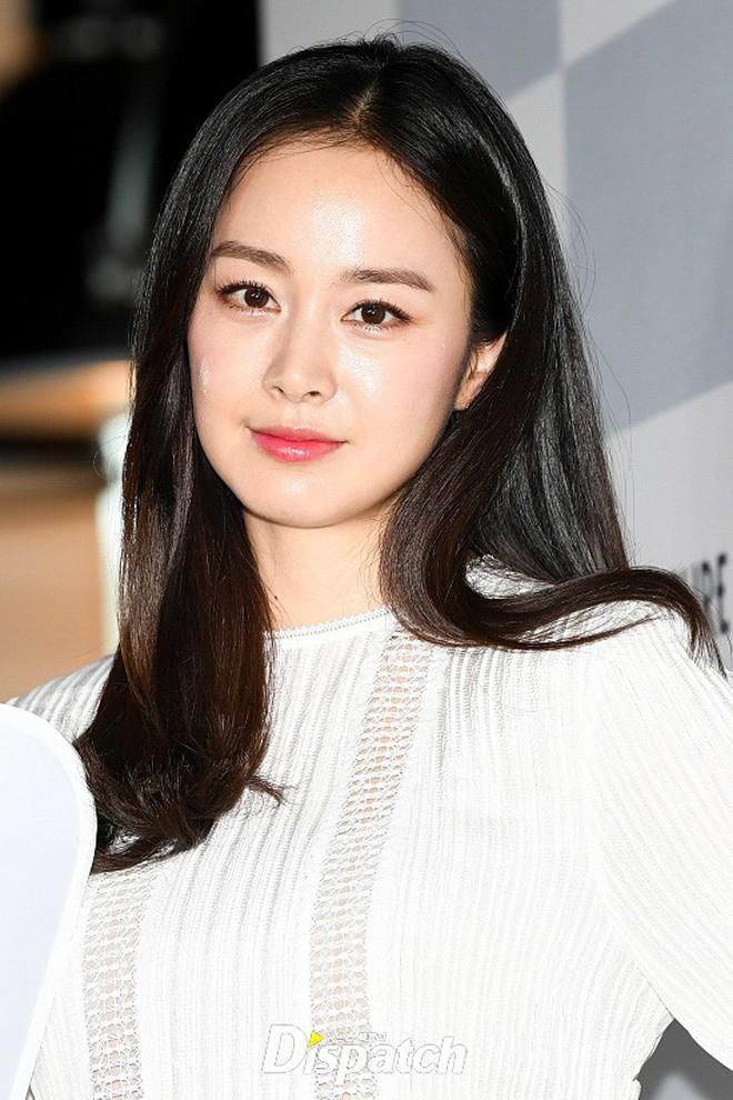 Ảnh selfie gây tranh cãi của Kim Tae Hee: Nữ thần không tuổi nay đã già đi trông thấy, tất cả đều vì một lý do! - Ảnh 3.
