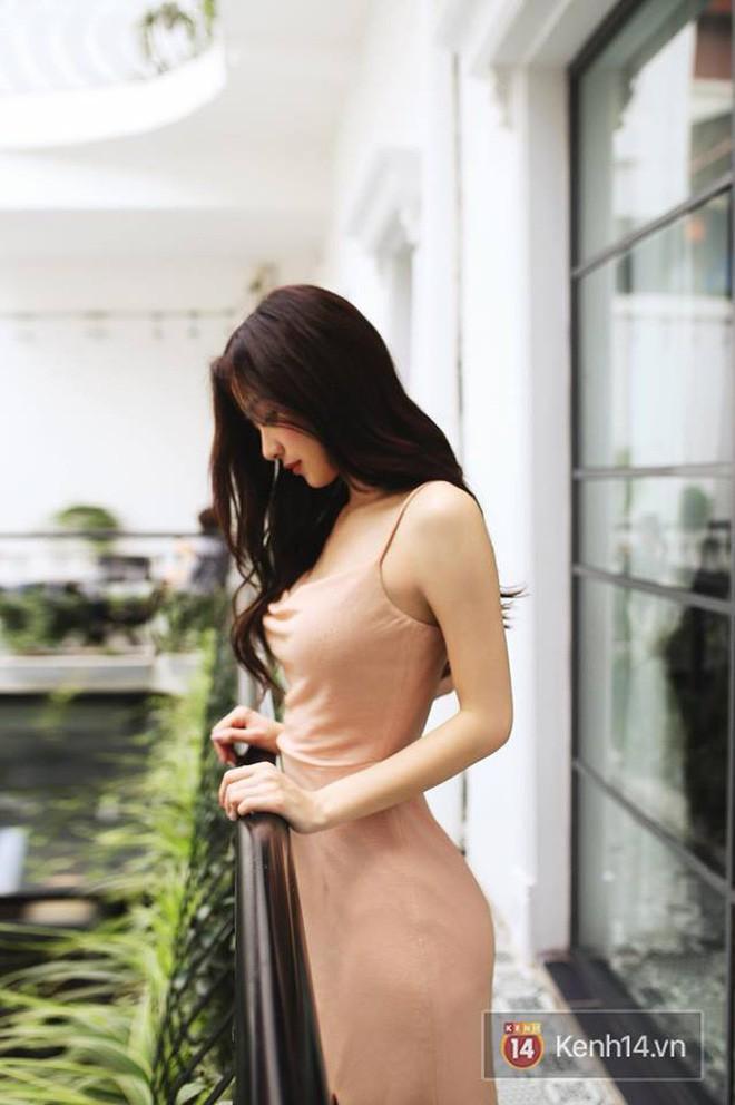 Diện bikini nhỏ xíu, Jun Vũ khoe trọn vóc dáng cực nóng bỏng sau khi nâng cấp vòng 1 - Ảnh 2.