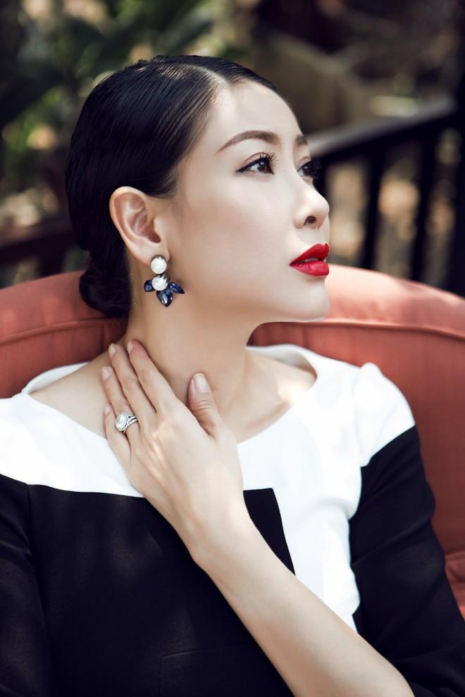 ha-kieu-anh-western-canada-fashion-week-showbizvn-1892016-5-15286040881481503363560.jpg