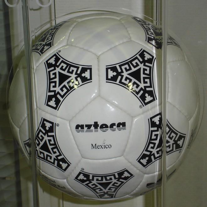 Đây là những quả bóng được dùng trong lịch sử World Cup, xem muốn xỉu vì quả bóng đầu tiên - Ảnh 13.