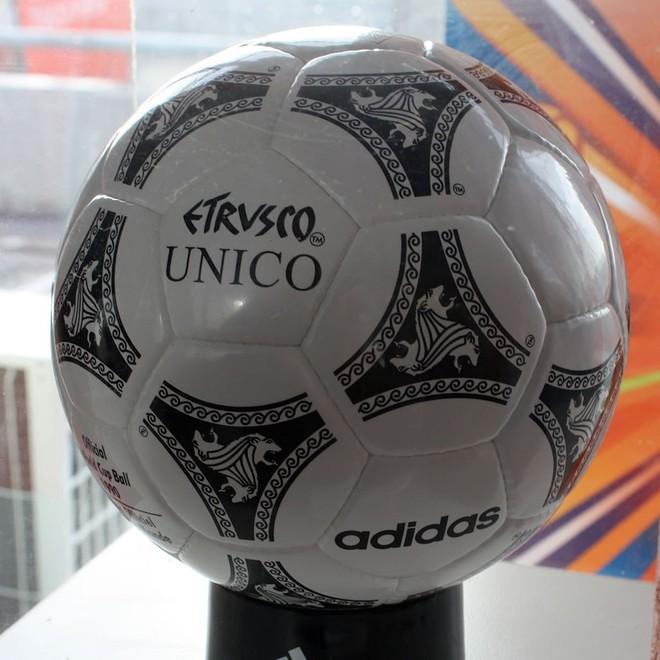 Đây là những quả bóng được dùng trong lịch sử World Cup, xem muốn xỉu vì quả bóng đầu tiên - Ảnh 14.