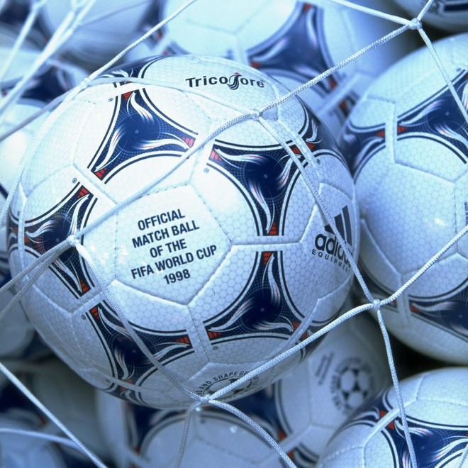Đây là những quả bóng được dùng trong lịch sử World Cup, xem muốn xỉu vì quả bóng đầu tiên - Ảnh 16.