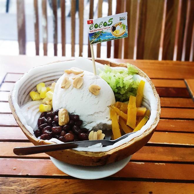 """Những món tráng miệng từ dừa đang """"khuấy đảo"""" hè này tại Sài Gòn - Ảnh 3."""