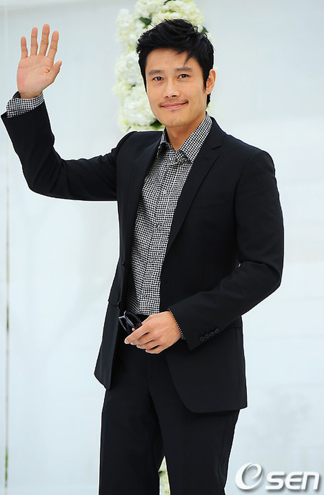 Top đám cưới có dàn khách mời khủng nhất xứ Hàn: Song Song lép vế trước Jang Dong Gun, Lee Byung Hun mời sao Hollywood - Ảnh 13.