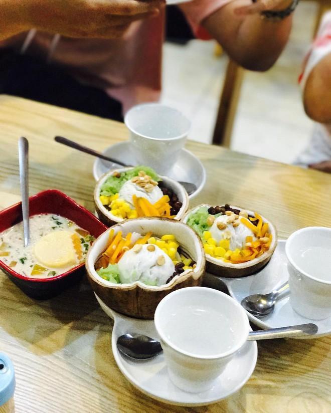 """Những món tráng miệng từ dừa đang """"khuấy đảo"""" hè này tại Sài Gòn - Ảnh 4."""