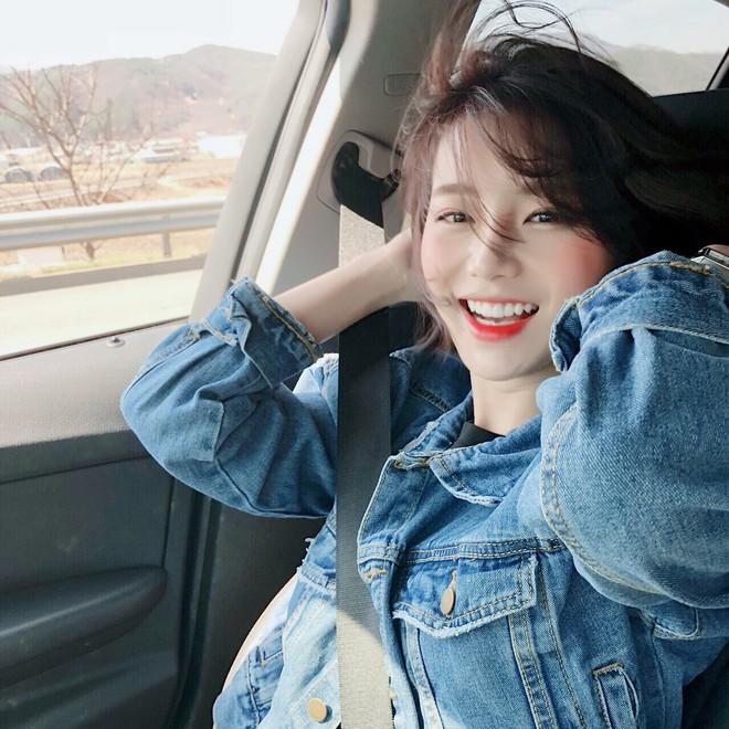 Khoảnh khắc cười ngọt lịm tim của nữ sinh Hàn Quốc khiến dân tình phải truy lùng ngay profile - Ảnh 2.