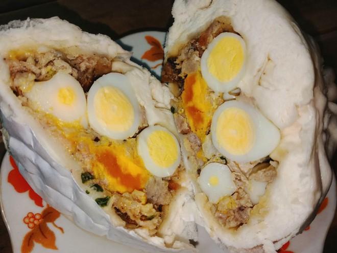 Cảm thấy bứ họng với chiếc bánh bao có nguyên buồng trứng 10 quả bên trong, giá gần 100k! - Ảnh 2.