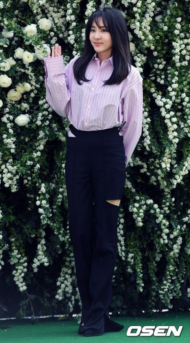 Top đám cưới có dàn khách mời khủng nhất xứ Hàn: Song Song lép vế trước Jang Dong Gun, Lee Byung Hun mời sao Hollywood - Ảnh 31.