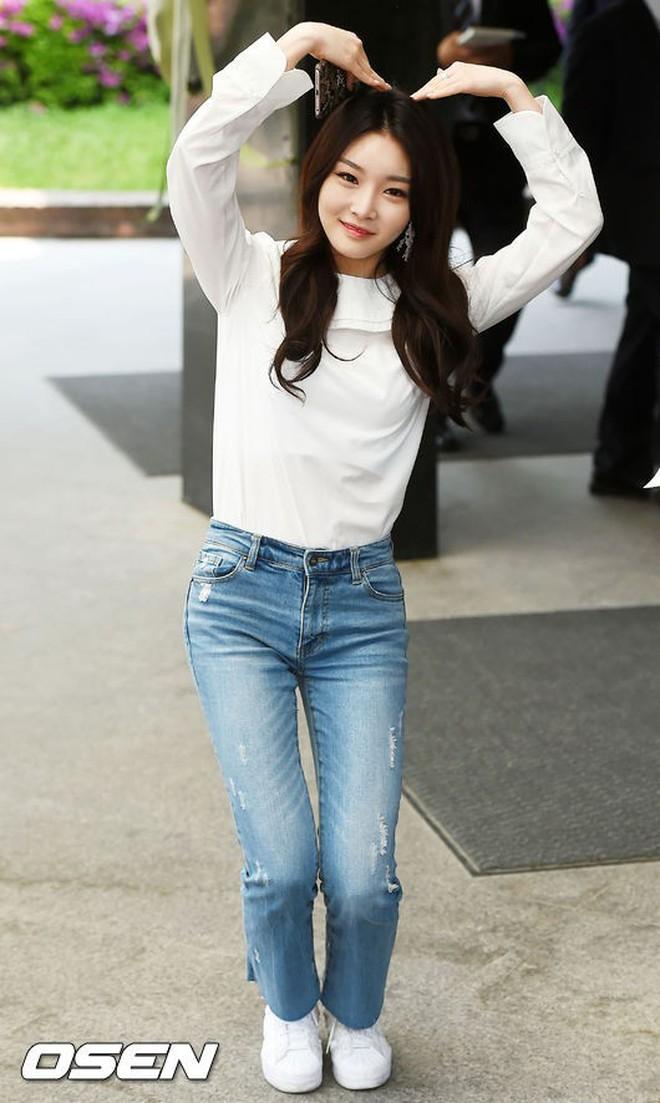 Top đám cưới có dàn khách mời khủng nhất xứ Hàn: Song Song lép vế trước Jang Dong Gun, Lee Byung Hun mời sao Hollywood - Ảnh 36.