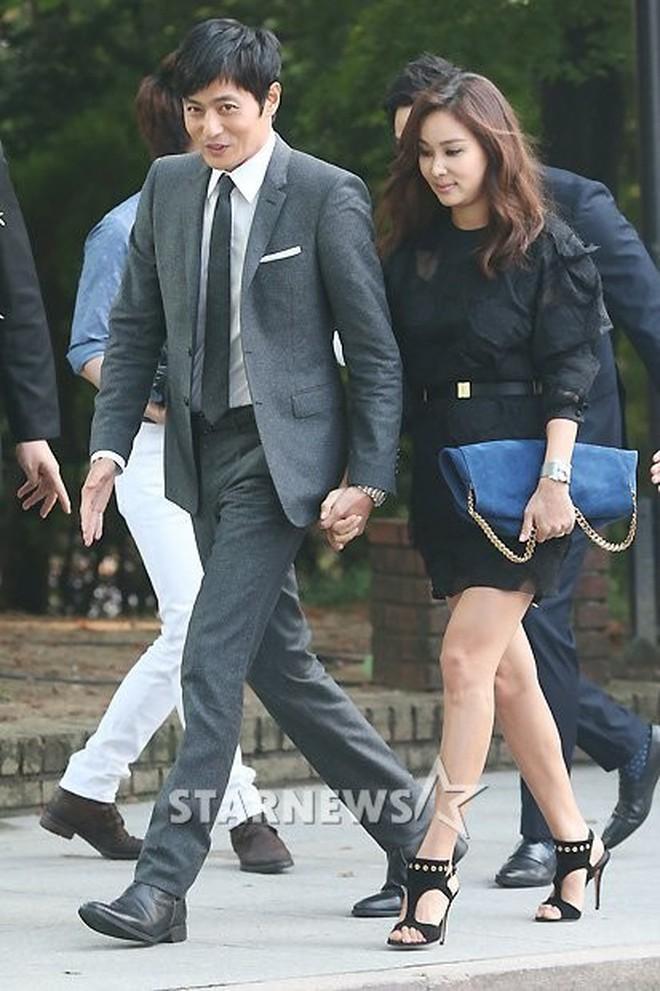 Top đám cưới có dàn khách mời khủng nhất xứ Hàn: Song Song lép vế trước Jang Dong Gun, Lee Byung Hun mời sao Hollywood - Ảnh 17.