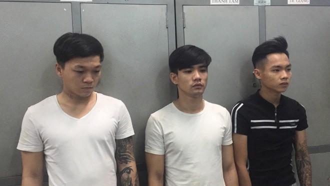 Hai người nước ngoài bị hành hung, cướp giật tài sản ở Sài Gòn - Ảnh 1.