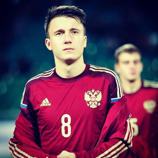 Golovin - Cầu thủ số 17 đội tuyển Nga lọt vào tầm ngắm của chị em