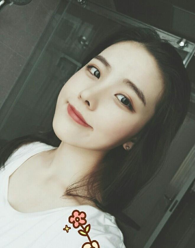 """Nữ sinh 21 tuổi được mệnh danh """"IU phiên bản Trung"""" khiến cả con trai lẫn con gái xin gia nhập fanclub - Ảnh 6."""