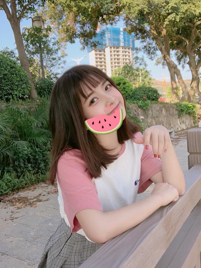 """Nữ sinh 21 tuổi được mệnh danh """"IU phiên bản Trung"""" khiến cả con trai lẫn con gái xin gia nhập fanclub - Ảnh 9."""