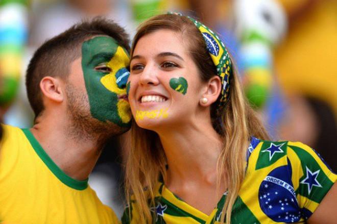Khoa học vào cuộc: xem bóng đá có gì hay mà nhiều người lại cuồng say đến thế? - Ảnh 1.