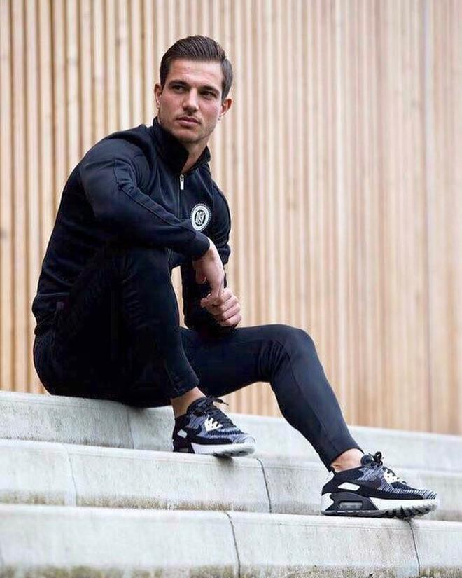 Trai đẹp tuyển Bồ Đào Nha được fan girl gọi tên không kém gì Cristiano Ronaldo - Ảnh 9.
